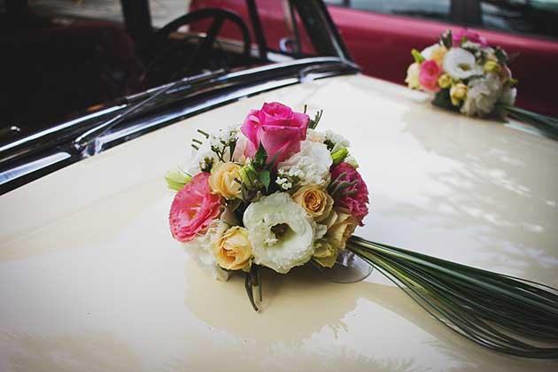 bc405c50cd Esküvőszervezés az esküvői autó feldíszítése - Esküvő helyszín budapest